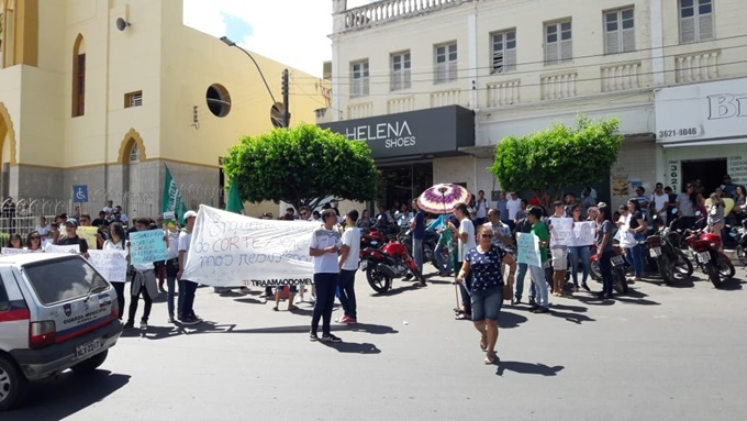 protesto_educacao_santana