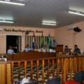 O.A. Flores: Servidores da educação vão a Câmara Municipal, mas vereadores não comparecem a sessão