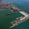Governo fecha acordo com trabalhadores dos portos para suspender greves