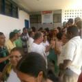 Servidores invadem prédio da Secretaria de Educação de Alagoas