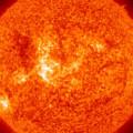 Explosão dupla de tempestade solar leva centro americano a emitir alerta mundial
