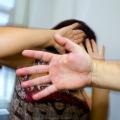 Adolescente é detido após agredir irmã durante briga com mãe em Pão de Açúcar