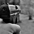Homem é morto com tiro na cabeça dentro da própria casa em Maravilha