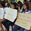 Após servidores, estudantes também fazem manifestação em Santana