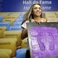 Atacante Marta é homenageada na Calçada da Fama do Maracanã