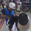 Dupla assalta loja de artigos religiosos na cidade de Penedo