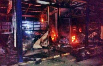 Incêndio destrói salas de aula e biblioteca de escola em Alagoas