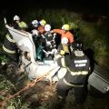 Colisão de carro e caminhão deixa uma pessoa morta e duas feridas na BR 243