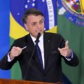 Bolsonaro toma café da manhã com governadores e senadores