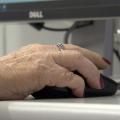 Jogos criados por universitários ajudam idosos a exercitar a mente