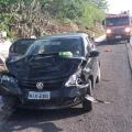 Um homem e dois menores ficam feridos em colisão de carros em Delmiro Gouveia