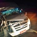 Homem fica preso em veículo após colisão entre van e caminhão na BR 316