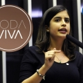 Deputada Tabata Amaral ocupa o centro do Roda Viva nesta segunda (14)