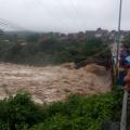 Rio Ipanema atingiu 9 metros, o dobro do nível segurança para alagamento
