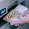 Governo assina convênio para carência em empréstimo consignado da Caixa