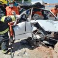 Idoso fica preso às ferragens de veículo após colisão em Piranhas