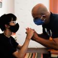 Primeiro estudante surdocego se forma na UnB