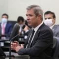 Deputado questiona defasagem salarial dos servidores do DER