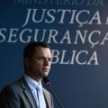 """Ministro defende repressão """"cada vez mais dura"""" ao tráfico de drogas"""
