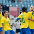 Com gols de Marta, seleção feminina goleia China na estreia da Olimpíada