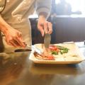 Com a retomada, bares, pubs e restaurantes conquistam investidores de peso