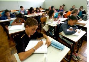 Recursos é tido como compensação pelo investimento na Educação Básica (Foto: Ilustração)