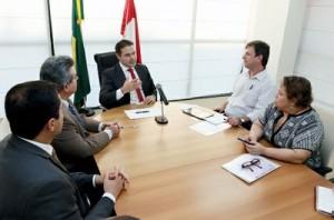 Governador aproveitou oportunidade para pedir a ampliação do programa do leite em Alagoas. (Foto: Márcio Ferreira)