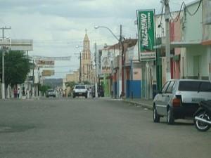 Prefeita do município foi obrigada a chamar servidores de volta (Foto: Imagens Google)