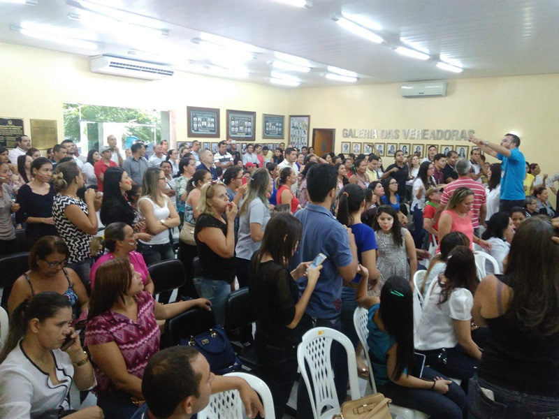 Presentes lotaram as dependências da Câmara de Santana (Foto: Lucas Malta / Alagoas na Net)