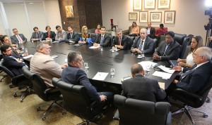 Presidente Otávio Praxedes discutiu com autoridades do sistema prisional as medidas necessárias para realizar o mutirão carcerário (Foto: Caio Loureiro / Assessoria TJ-AL)