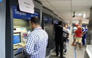 Pagamento corresponde aos vencimentos acima de R$ 2.340,00 (Foto: Dárcio Monteiro / Agência Alagoas)