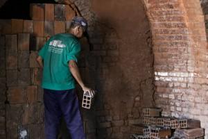 Fiscalização da FPI flagrou irregularidades em cerâmica (Foto: Assessoria MP-AL)